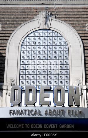 Londres, Angleterre, Royaume-Uni. Cinéma Odéon, Covent Garden (135 Shaftesbury Avenue) anciennement le théâtre Saville (1931)