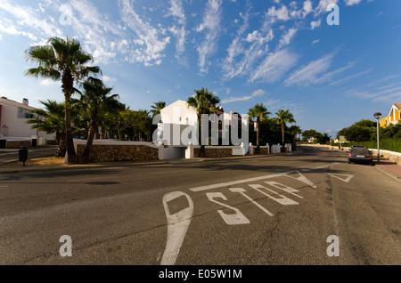 Villas de vacances moderne sur l'île des Baléares de Minorque. Banque D'Images