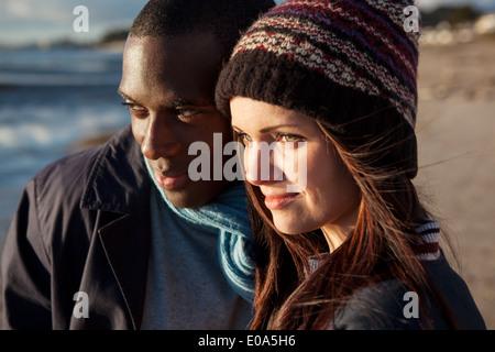 Couple sur la plage Banque D'Images
