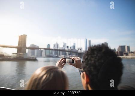 Young Pont de Brooklyn, New York, USA