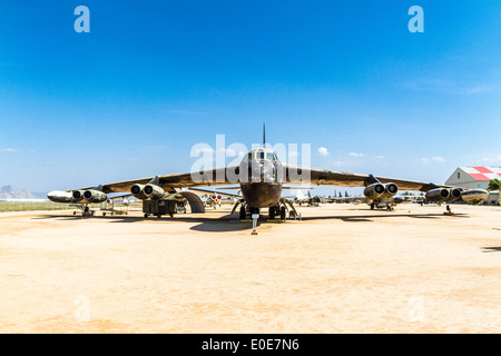 Un Boeing B-52D au Champ de Mars Le Musée de l'air à Riverside en Californie