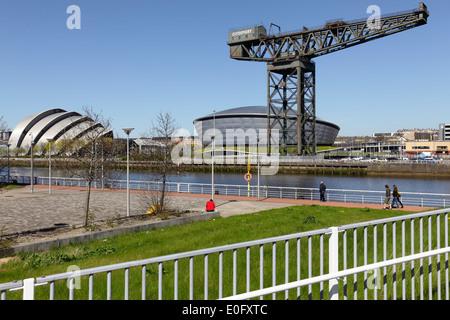 Le Clyde Auditorium / Armadillo, Écossais SSE Hydro et Finnieston Crane à côté de la rivière Clyde à Glasgow, Écosse, Banque D'Images