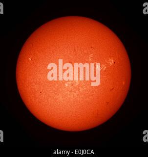 Londres, Royaume-Uni. 14 mai, 2014. Image du télescope de notre plus proche étoile, le Soleil, photographiés avec Banque D'Images