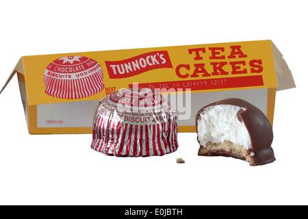 La marque Tunnock gâteaux thé isolé sur fond blanc Banque D'Images