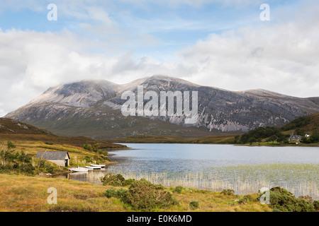 Vue sur le Loch Pile pour Ben Arkle, Highlands écossais Banque D'Images