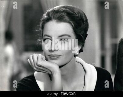 Le 12 décembre 1962 - Dans les studios de dinecitta capucine la belle ancien mannequin français, avec une distribution Banque D'Images