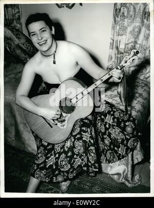 08 août, 1964 - Singer avec Three-Octave. Gamme: représenté à Londres est Mme Lyne Michel, bien connu petit cabaret, Banque D'Images