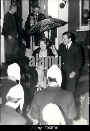 01 février 1966 - Vacances à la neige, à l'heure actuelle, la famille royale néerlandais. Après la princesse Beatirx Banque D'Images
