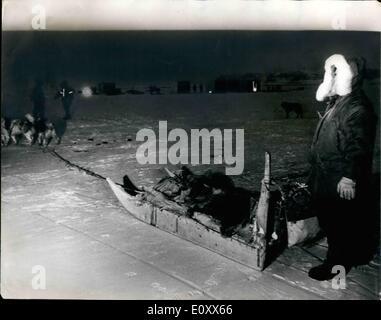 01 janvier 1968 - Recherche sur le site de plante B.52 Bomber dans Green land: photo montre: les travailleurs Banque D'Images