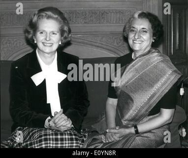 11 novembre 1970 - Mme Indira GANDHINMEETS Mme Margaret Thatcher À LA CHAMBRE DES COMMUNES L'Inde de l'ancien Premier Banque D'Images