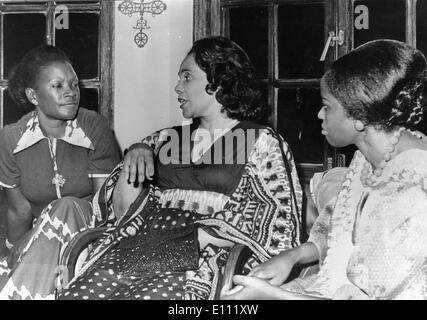 01 janvier 1975 - Photo: circa 1960 des années 1970, lieu inconnu. CORETTA SCOTT KING (27 avril 1927 - 30 janvier 2006) était le