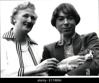 Septembre 09, 1980 - Nouveau Lloyd Webber pour l'ouest de la musique: ''Cats'' est le titre de la nouvelle comédie musicale d'Andrew Lloyd Webber a annoncé aujourd'hui. Ce sera la première West End musical par lui depuis le ''Evita'' a ouvert ses portes à Londres en juin 1978. Inspiré par des poèmes publiés ou non par T S Eliot, incluant le célèbre ''vieux opossums Livre de chats pratique'', prévu pour itvis, ouvert à Londres en avril 1981. Le nouveau spectacle sera réalisé par Trevor Nunn du Royal Shakespeare et chorégraphié par Jompany Billian Lynne.