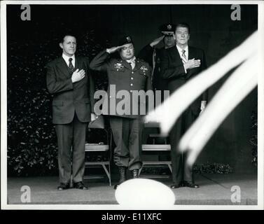 02 février 1981 - Hero salue avec le président; illustré saluant après la médaille d'honneur du congrès cérémonie Banque D'Images