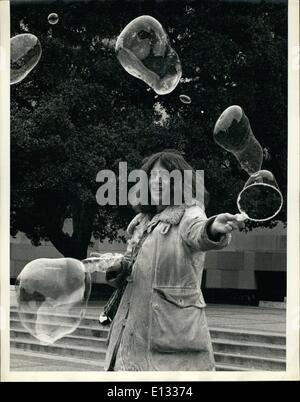 Le 26 février 2012 - La tournée sur machine à bulles: talent abonde sur la plupart de nos campus universitaires. Banque D'Images
