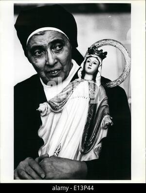 Mar. 22, 2012 - une religieuse de langue espagnole une église à eux de Miami est titulaire d'une statue qui sera Banque D'Images