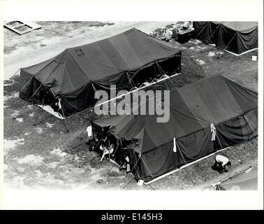 Avril 04, 2012 - Tent City, le parc des expositions à Fort Walton Beach en Floride. Le centre de traitement pour les réfugiés cubains envoyés à partir de