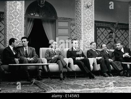 Fichier - Ahmed Ben Bella, (décembre 25, 1918 - Avril 11, 2012) qui a été un membre clé de la révolution algérienne Banque D'Images