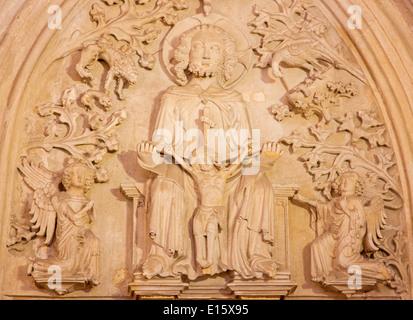 Bratislava - allégement de la Sainte Trinité, détail de st. À partir de la chapelle latérale gothique Ann 14. 100. Banque D'Images