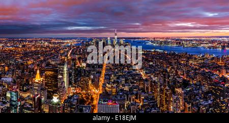 Panorama de l'antenne de New York city at Dusk Banque D'Images