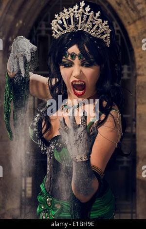 La reine Vampire tourner en poussière Banque D'Images