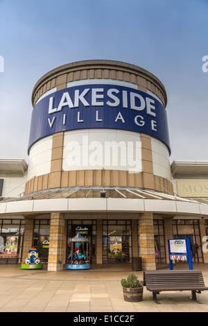 Village au bord du lac Centre commercial Doncaster South Yorkshire England UK