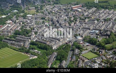 Vue aérienne de la petite ville de Haslingden and dans le Lancashire Banque D'Images