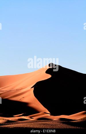 Erg Chebbi dunes de sable dans le désert du Sahara, près de Merzouga, Maroc