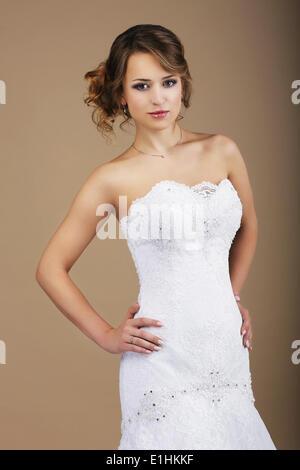 Lovely Woman wearing white Robe de mariée Banque D'Images