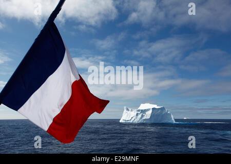 L'antarctique, croisière sur le navire par le capitaine Etienne boréale Garcia autority, icebergs dans la mer de Banque D'Images