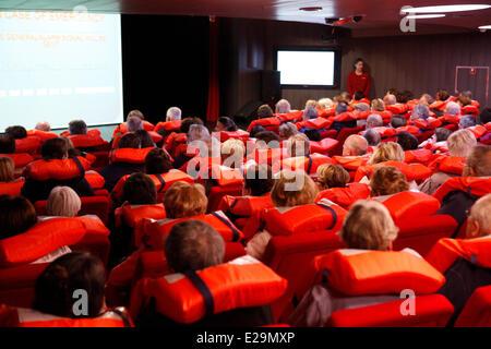 L'antarctique, croisière sur le navire par le capitaine Etienne boréale Garcia autority, le théâtre, conférence Banque D'Images