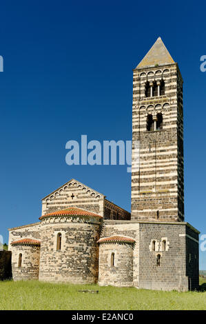 Italie, Sardaigne, Province de Sassari, Cossoine, Saccargia contruite Basilique du 12e siècle édifice construit avec black