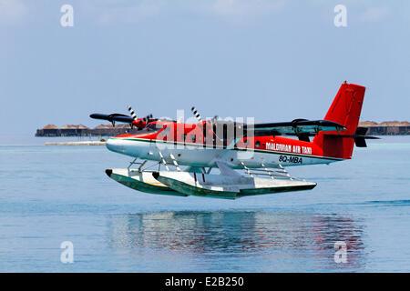 Les Maldives, hydravion de Maldivian Air Taxi Company, le rabotage Banque D'Images