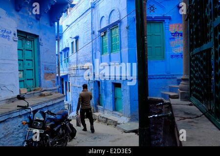 Inde Rajasthan Jodhpur surnommée la Ville Bleue Scène de rue dans la vieille ville