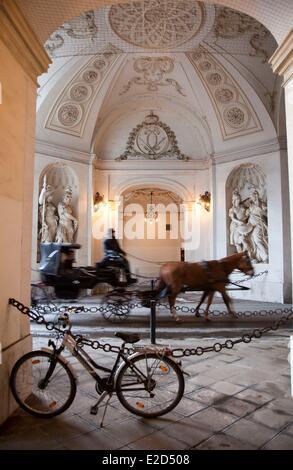 Autriche Vienne centre historique classé au Patrimoine Mondial par l'UNESCO porte Saint Michel Hofburg Banque D'Images