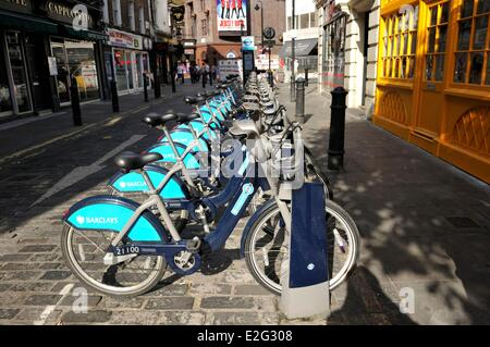 United Kingdom London Soho Moor Street Location de vélo Banque D'Images