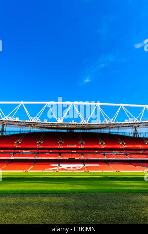 Vue sur terrain, à l'intérieur de l'Emirates Stadium, Arsenal Football Club.