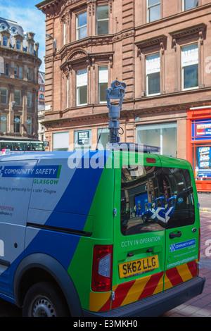 La sécurité communautaire unité CCTV mobile monté sur le toit du véhicule, avec appareil photo, à patrouiller les Banque D'Images