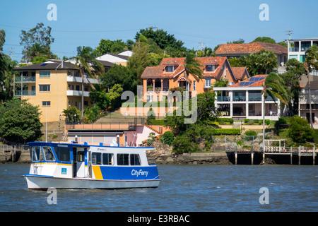 L'Australie Brisbane Brisbane Queensland Brisbane River East Norman Park waterfront residences maisons appartements Banque D'Images