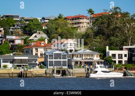 L'Australie Brisbane Brisbane Queensland Brisbane River East Norman Park waterfront residences Appartements Maisons Banque D'Images