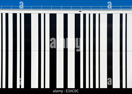 Code à barres sur la façade d'un immeuble, Genève, Canton de Genève, Suisse Banque D'Images