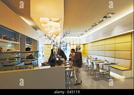 Café M1, BMW Museum, Munich, Haute-Bavière, Bavière, Allemagne Banque D'Images