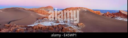 Valle de la Luna, Le Codillera de Sal, formé par la couche sur la couche de sel, de sable et d'argile, la création Banque D'Images