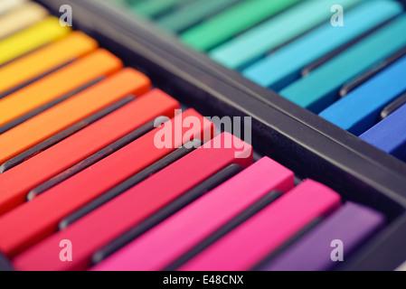 Les pastels artiste multicolores en fort, petite DOF peu profondes Banque D'Images