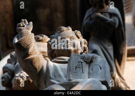 Statue de Jésus, Notre Dame de la Treille Cathedral, Lille, Nord, France, Europe