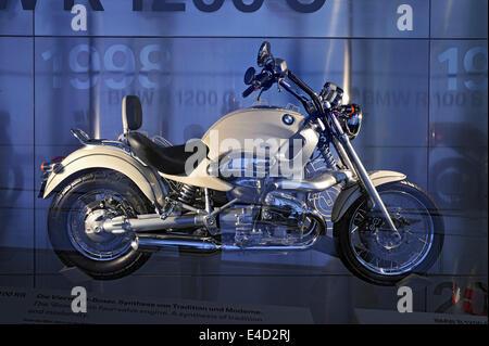 BMW R 1100 RS, BMW Museum, Munich, Haute-Bavière, Bavière, Allemagne Banque D'Images