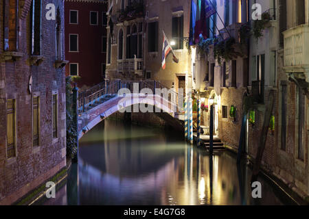 Pont de Venise et canal de nuit Banque D'Images