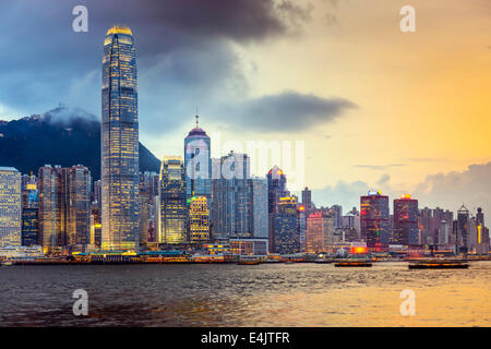 Hong Kong, Chine city skyline at Victoria Harbour. Banque D'Images