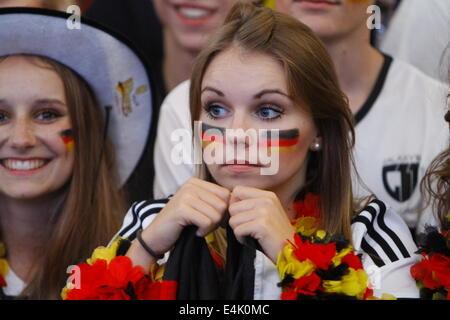 Francfort, Allemagne. 13 juillet 2014. Des fans allemands regarder la finale de la Coupe du monde. 50,000 fans regardé Banque D'Images