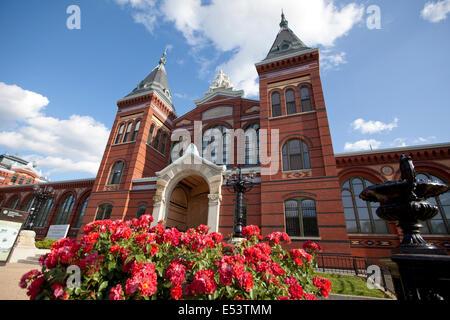 """WASHINGTON D.C. - 24 MAI 2014: la Smithsonian Institution Building, communément appelé le """"château"""", abrite le Banque D'Images"""