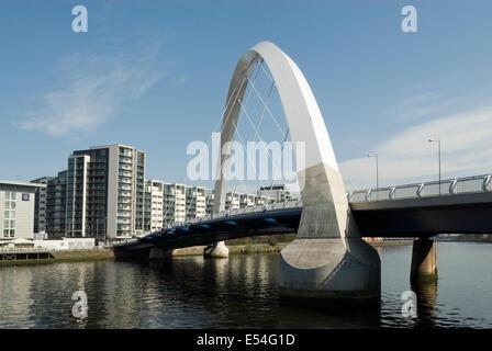 Le Clyde Arc (aux) Pont sur la rivière Clyde Glasgow.